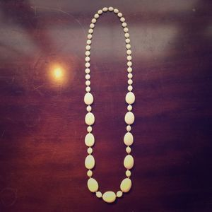 OLD NAVY Cream Beaded Necklace